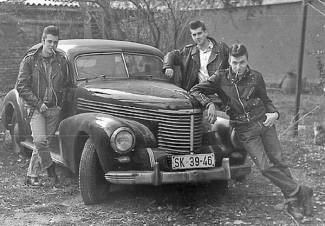 1950s-greasers-04